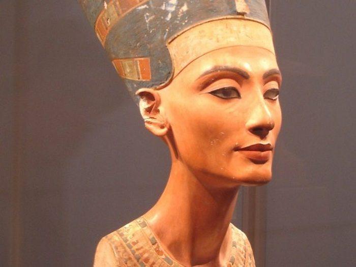 Исчезнувшая царица Нефертити.